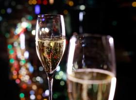 TYOPH_P261_Champagne_Peak_Bar_73447
